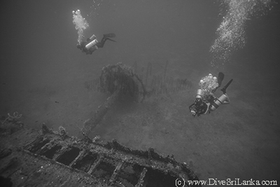 Divers at the superstructure